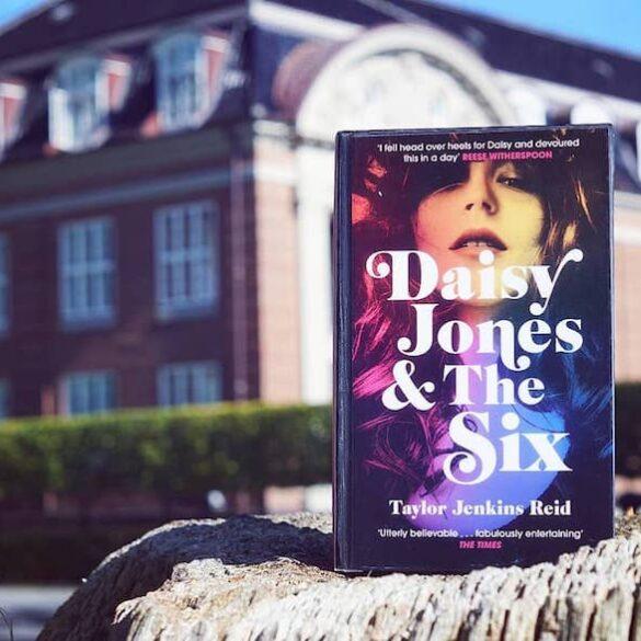 Daisy Jones book cover